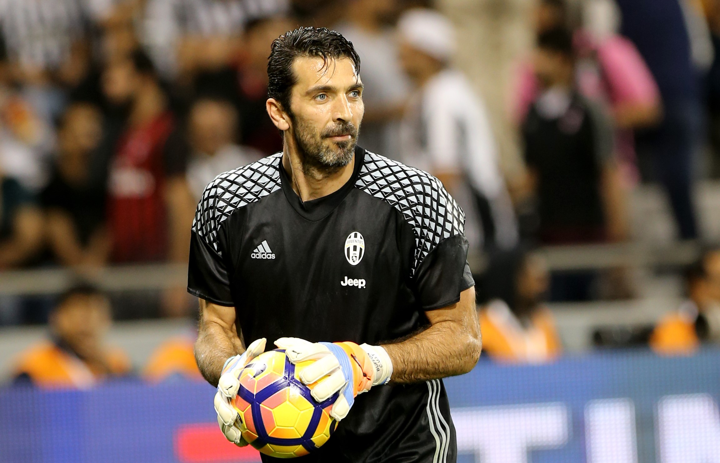 https://www.ultimenotiziecalcio.it/wp-content/uploads/2018/01/Buffon-Juventus.jpg