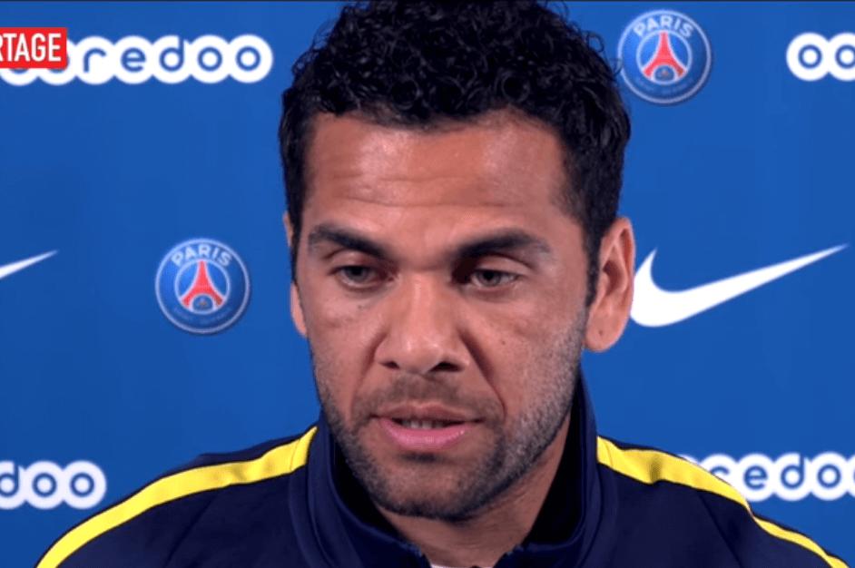 Brasile, infortunio al ginocchio per Dani Alves: rischia di saltare il Mondiale